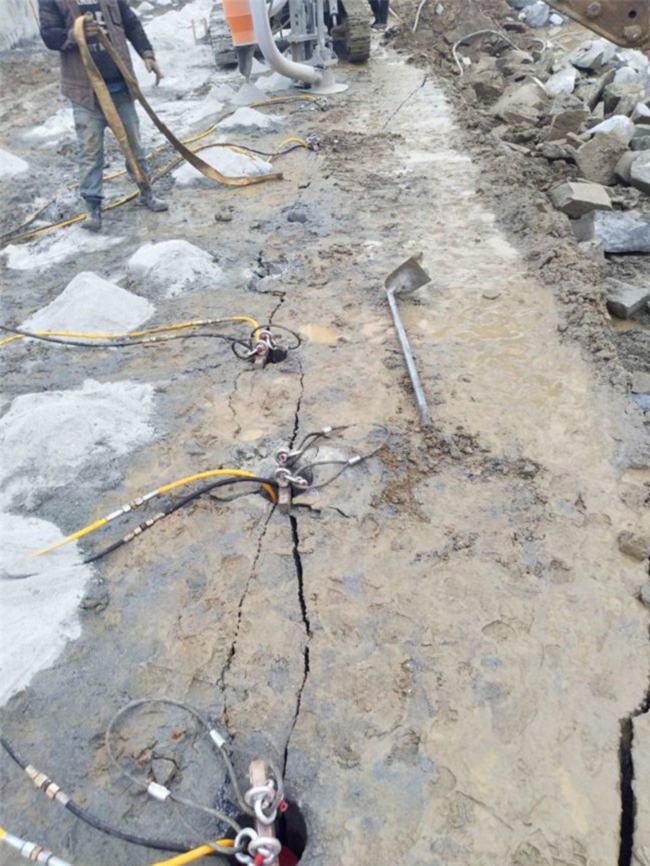 广元水利水电地下工程矿山开采石头大劈力开石机