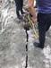 蕪湖工程開挖遇堅硬石頭用劈石機