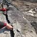 菏澤開山用來撐石頭的分裂設備