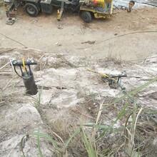 花垣石材厂开采不能放炮用液压裂岩机图片