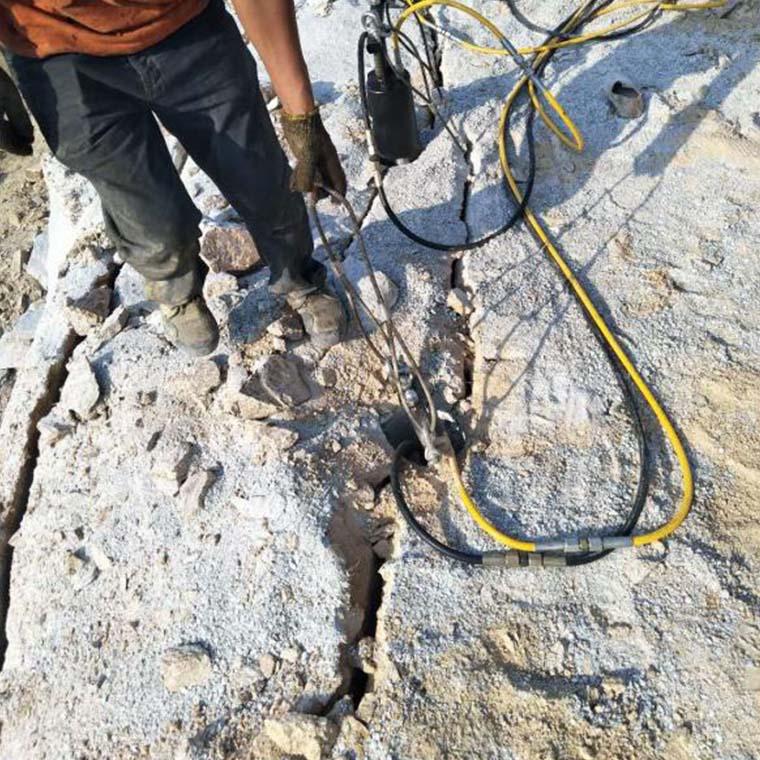 枣强采石场花岗岩大规模开采使用岩石劈裂机