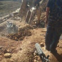 唐河开工不能放炮用什么代替坚硬岩石开采裂石棒图片