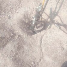 靖州苗族侗族自治石材厂炮机太慢用市政道路静态劈裂棒图片