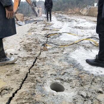 任县混凝土劈裂棒破石头的方法