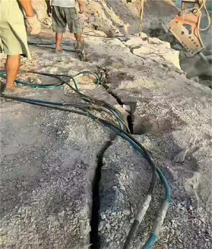通山矿山开采石头代替放炮的机器叫什么