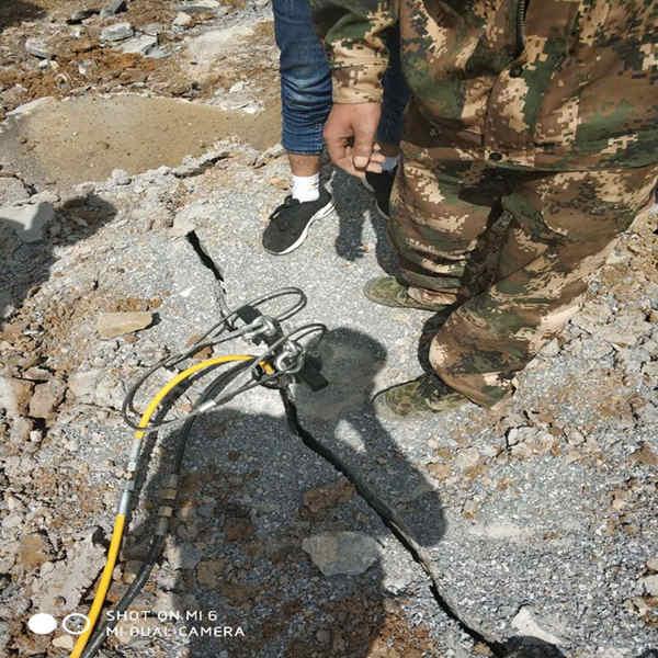 液壓劈裂機快速開挖設備泵成本低效果高