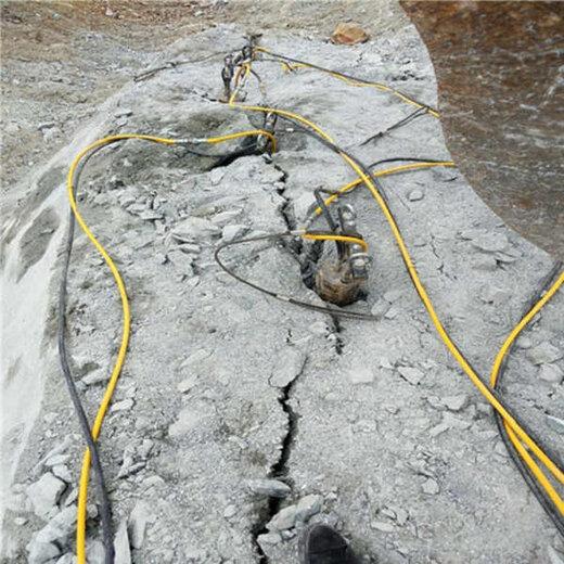 隧道挖掘劈裂棒教會再走