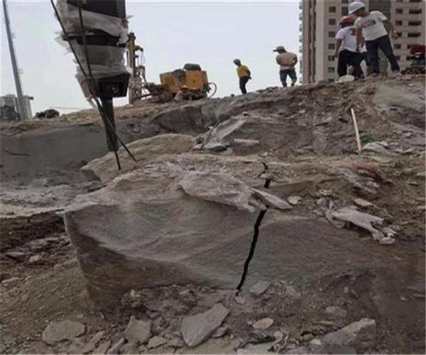 拆除破石機開裂機技術方案