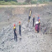 岩石顶石机矿山开采破碎硬石头加工方案图片