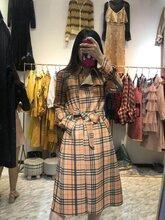 广州淑女风格女装折扣店威娅纪女装尾货库存服装批发图片