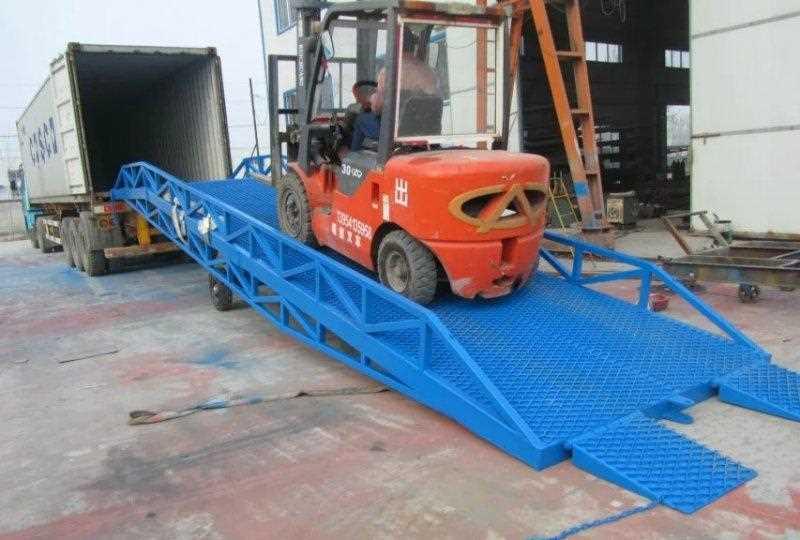 6吨登车桥收货装卸车升降机服务周到,装卸平台