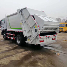 D9多利卡东风12吨垃圾压缩车垃圾车的多少钱图片
