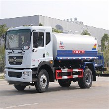 12-15吨多利卡D9绿化喷洒车