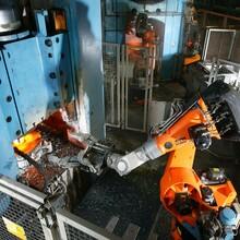山东锻造机器人厂家图片