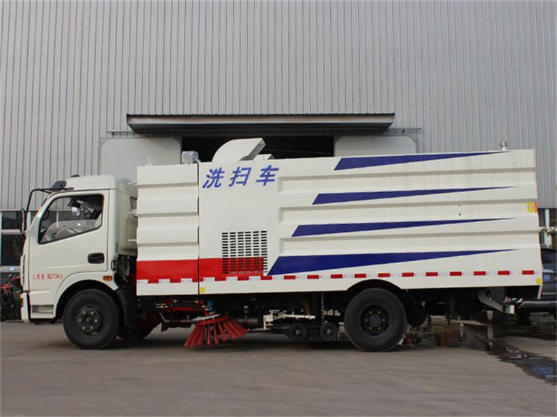 重庆东风D6吸尘扫路洗扫车价格行情