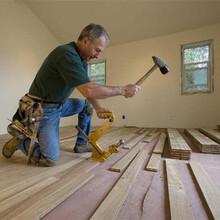 廣州石塑地板安裝師傅復合地板安裝公司圖片