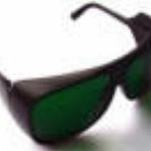 紫外可見近紅外激光護目鏡圖片