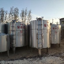 东营储罐回收图片