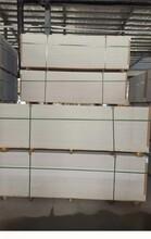 濟南歷下區外墻纖維水泥板厚度銷售工作人員圖片