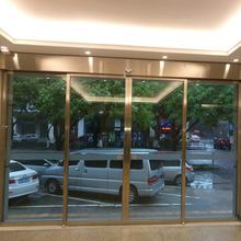 龙岗感应玻璃门安装价格图片