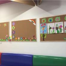 热线北京软木板照片墙幼儿园用实木边框软木板留言板图片