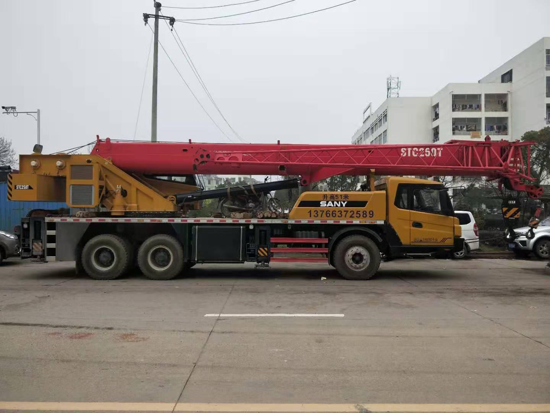 赣州80吨吊车出租多少钱
