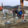 挖机打不动岩石开凿机矿山开采岩石机特价批发,湖南厂房挖地基劈裂机