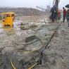 挖機炮錘打不動巨型巖石劈裂機大概價位是多少經銷商/內蒙古開山設備液壓劈裂機