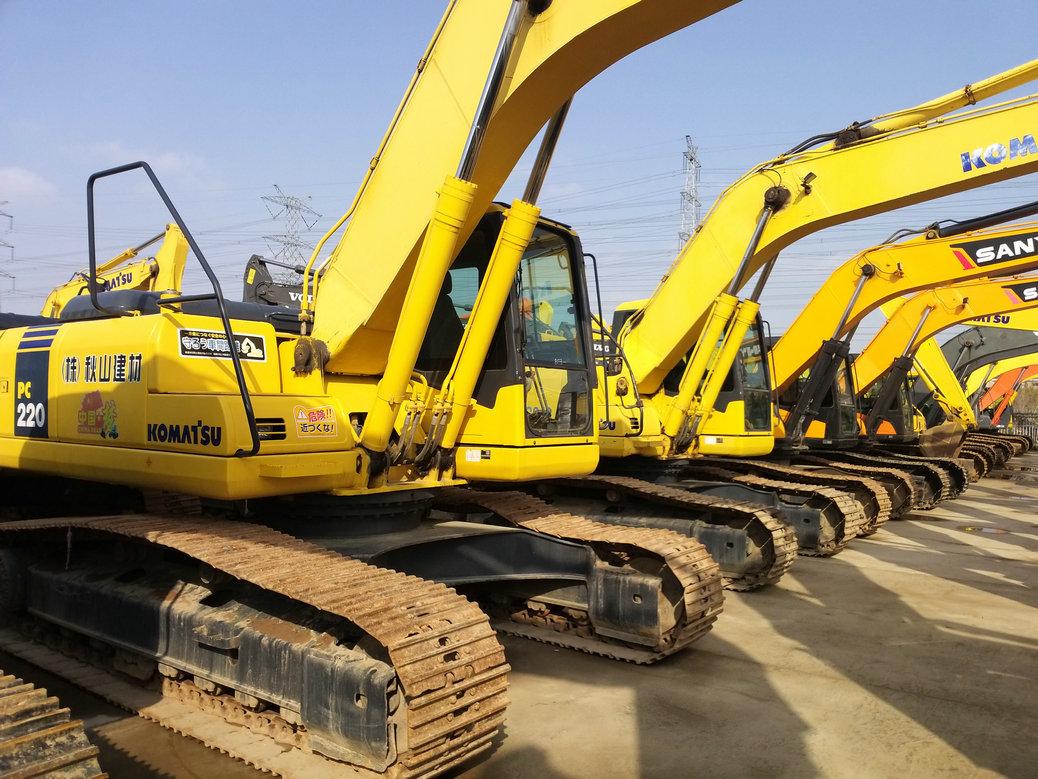 钦州二手200挖掘机转让价格