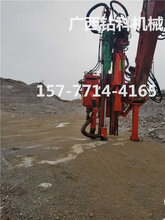 大理石矿山开采石英硅矿镁铁矿石机械破碎花岗岩石分裂选用广西钻科挖改钻孔劈裂一体机