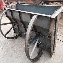 高速混凝土隔离带模具-水泥护栏钢模具-大进模具厂图片