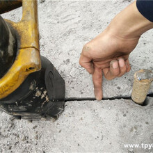 替代炮锤破石用液压劈裂机泰安图片