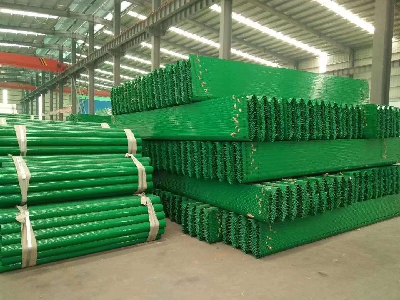 广东波形护栏板厂家供应
