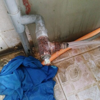 郑州维修水龙头、更换阀门、三角阀、暗管漏水、取断丝图片1