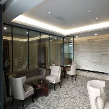 深圳专业生产铝合金型材玻璃隔断的厂家-深圳玻璃隔断厂家图片