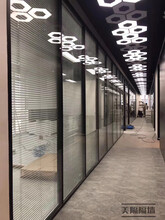 深圳光明新區辦公室高隔間安裝選材圖片