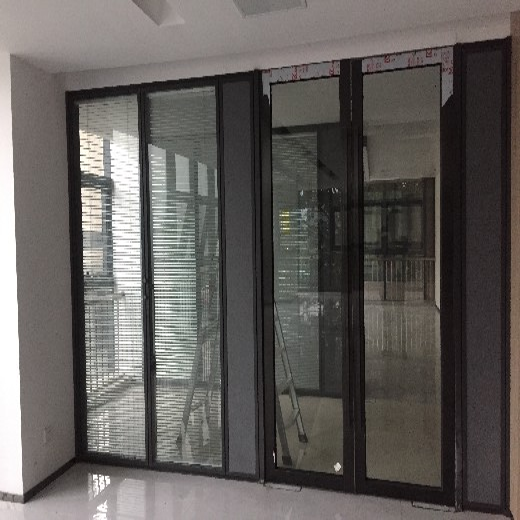 环保铝合金隔断办公室玻璃隔墙安全可靠,高隔墙