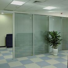 深圳南山定做百葉高隔斷辦公室鋁合金高隔斷設計合理,辦公高隔斷圖片