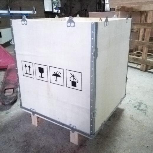 钢带包装箱图