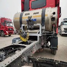 燒天然氣牽引車豪沃t7430馬力圖片