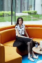 广州品牌折扣女装20夏季轻奢细致美观大摆连衣裙系列尾货折扣批发图片