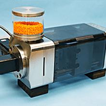 日本新兴sellbic超小型注塑机,高精密特殊树脂小零件注射图片