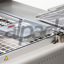 南通手動包裝機根據客戶需求特別訂制包裝機生產商二合一收縮包裝機圖片