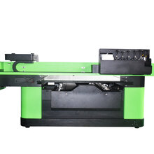 博易创全新6090UV打印机图片