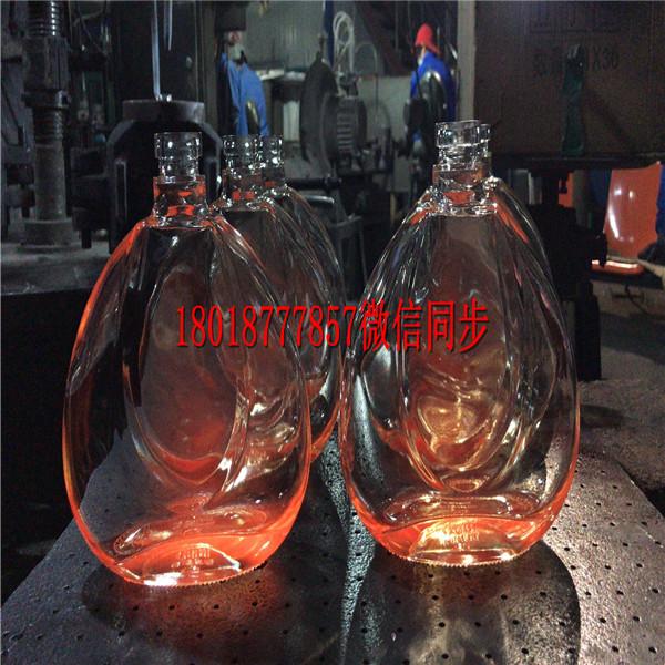 西宁玻璃酒瓶生产厂家_西宁酒瓶生产厂家
