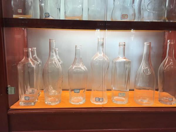 广元玻璃酒瓶生产厂家