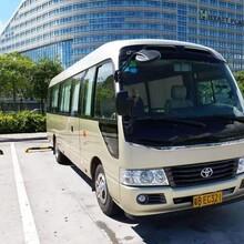 新款大巴车行业领先旅游大巴图片