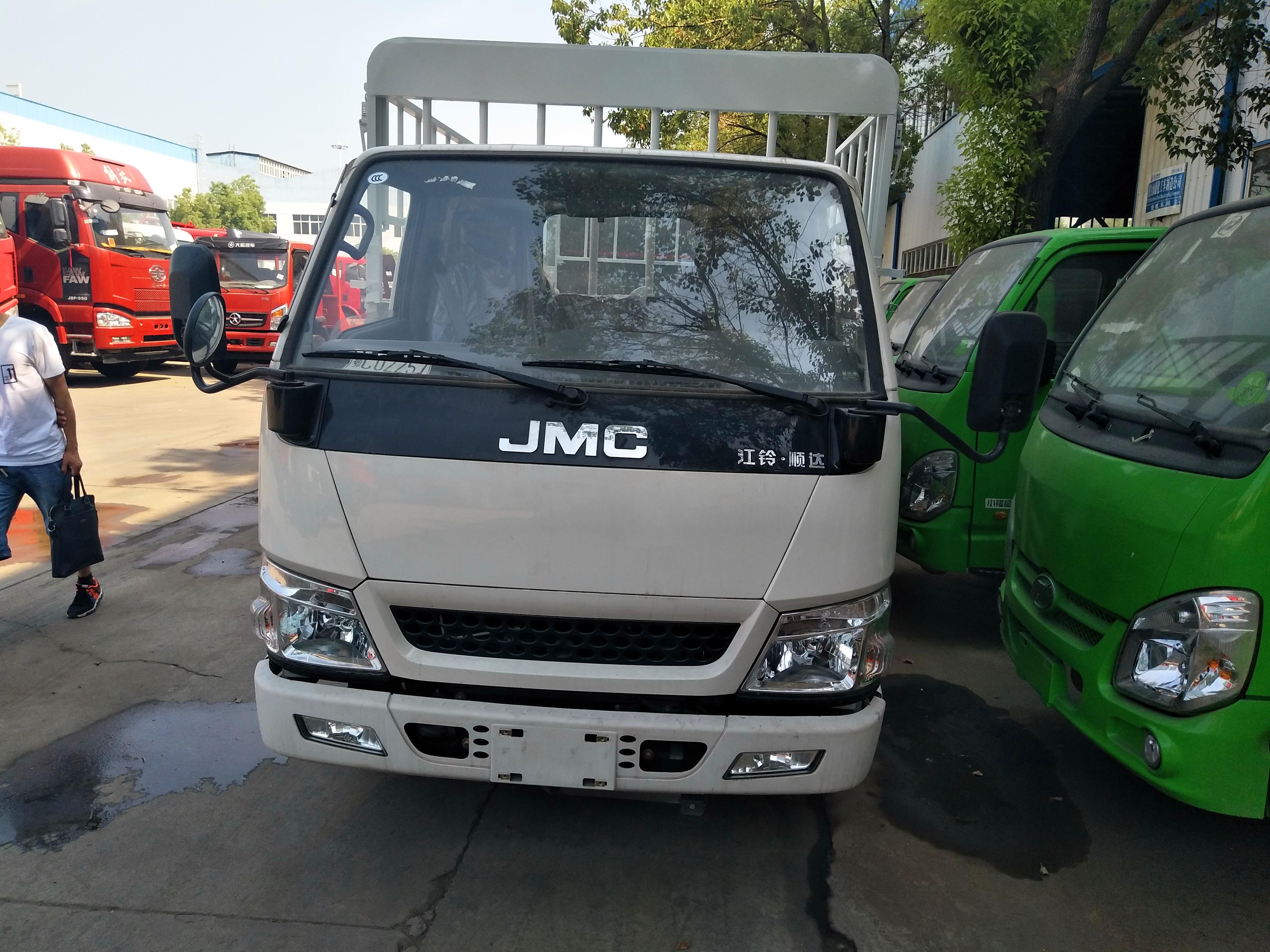 錫林郭勒盟易燃易爆運輸車圖片