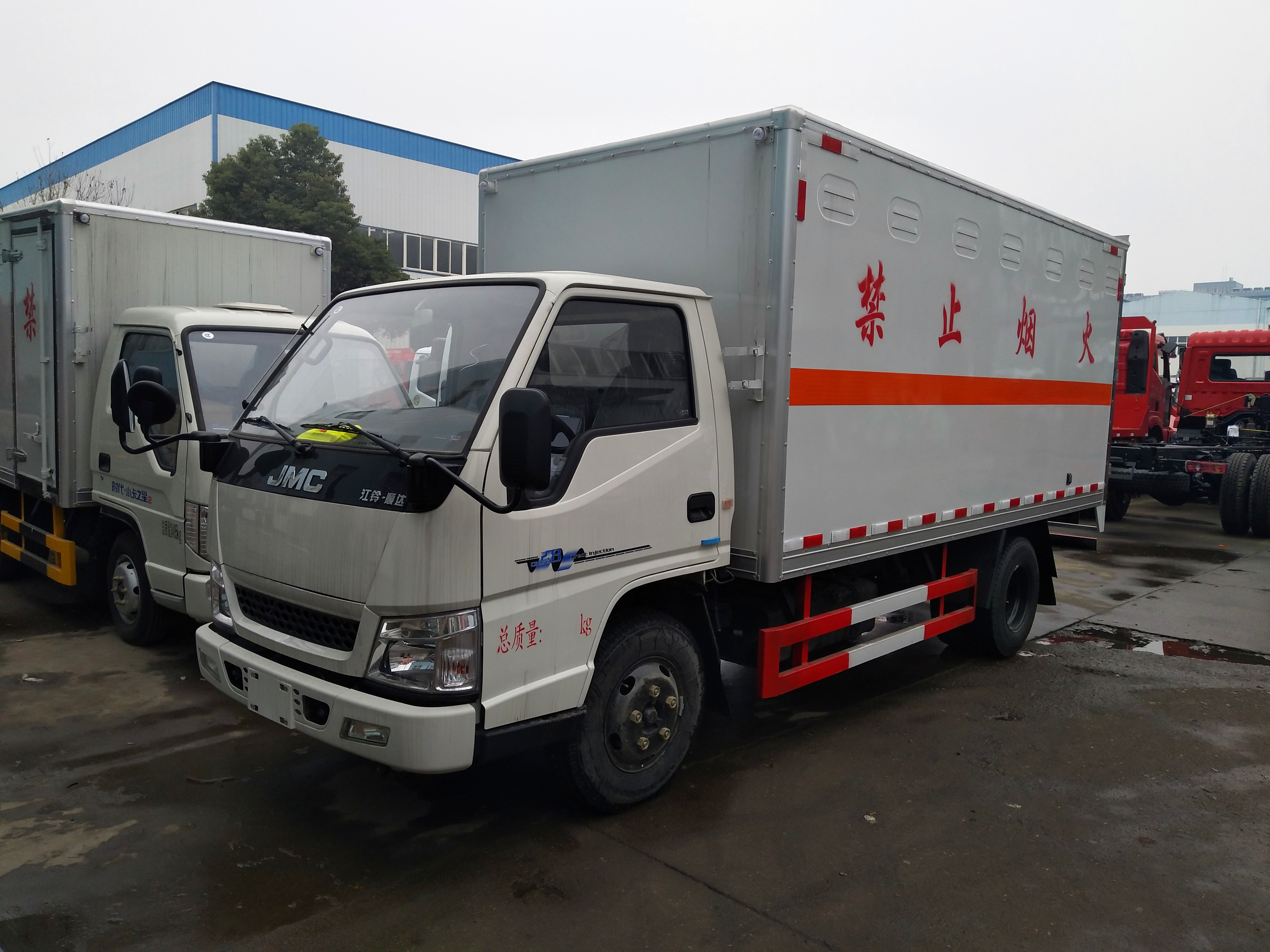 上海周边4,2米仓栏运输车卖车电话