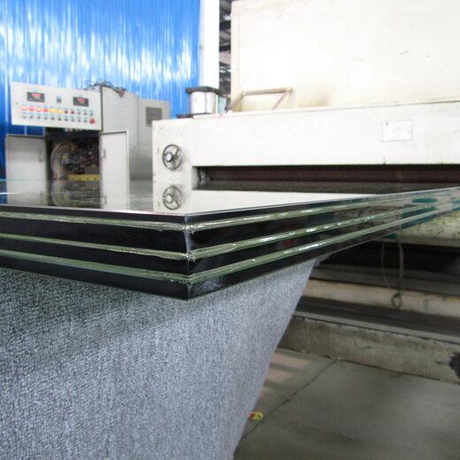夹胶钢化玻璃图